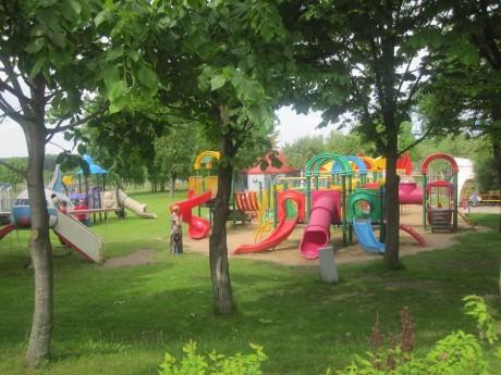 Детская площадка  BR  самолетик  маленькие горки  лабиринты  песочница  качели  BR Парк развлечений  Дримлэнд  DreamLand
