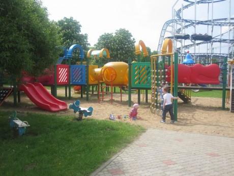 Детская площадка  BR  самолетик  маленькие горки  лабиринты  песочница  качели  BR Парк развлечений  Дримлэнд