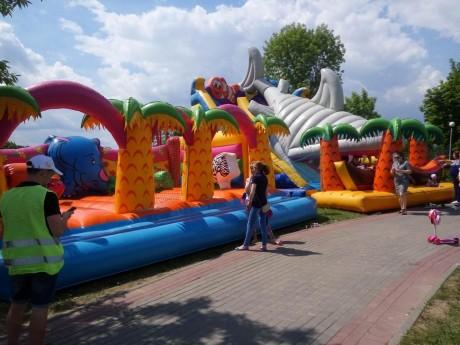 Детские надувные горки   17 июня 2017  Парк им. Павлова на Юго-Западе  г. Минск  Беларусь