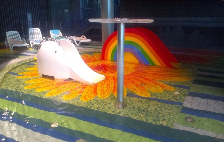 Детская аквазона  для маленьких деток до трех лет  в  аквапарке Фристайл  13 августа 2016 г. Минск  улица Сурганова  4а