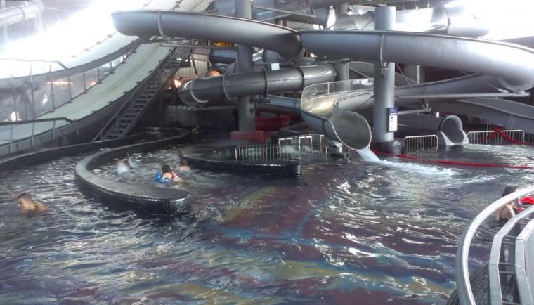 Горки  в  аквапарке Фристайл  13 августа 2016 г. Минск  улица Сурганова  4а