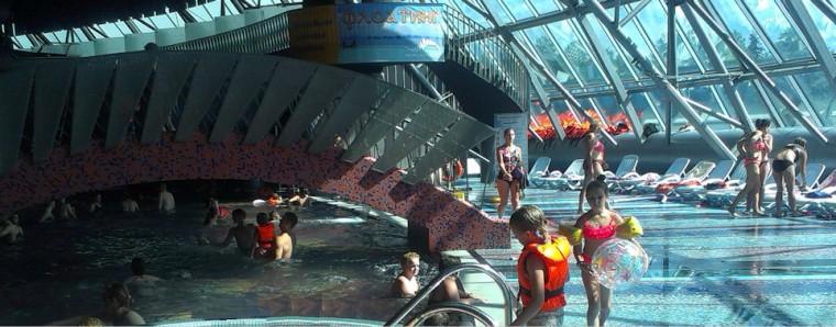 Лежаки  в  аквапарке Фристайл  13 августа 2016 г. Минск  улица Сурганова  4а