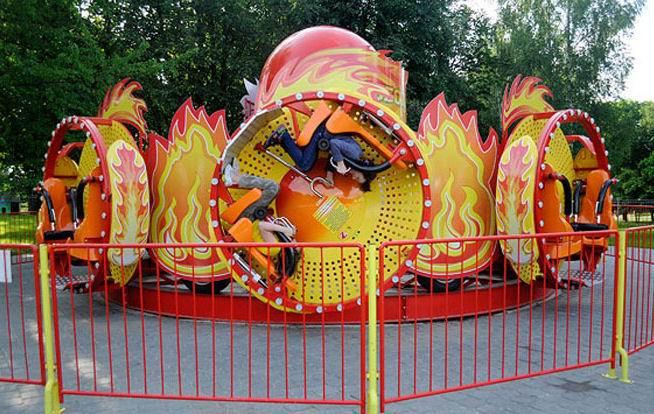Аттракцион  Колобок   в парке  900-летия   г. Минск 3 июня 2017