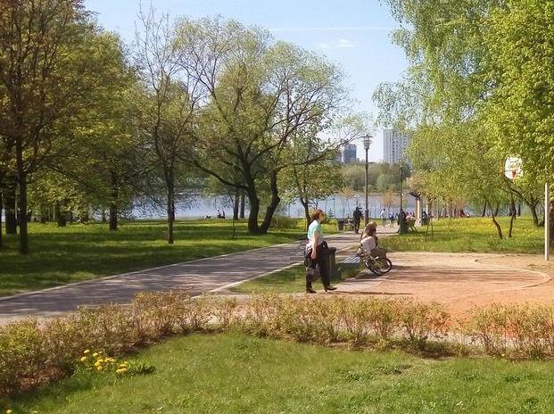 Днем  в парке  900-летия    г. Минск  3 июня 2017