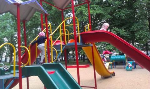 Бесплатная детская площадка  BR в парке Горького  г. Минск 28 мая 2016