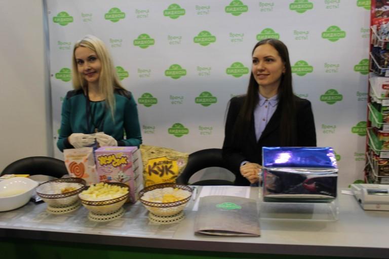 Кукурузные палочки на  фестивале еды и напитков  Фуд Шоу    4 декабря 2016  г. Минск  Дворец Спорта