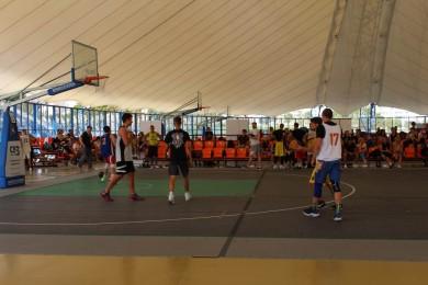 Играем в баскетбол <BR>(летом) <BR>(Палова Арена , г. Минск , улица Победителей, 4а)