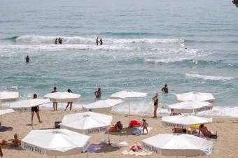 пляж курорта  Солнечный День