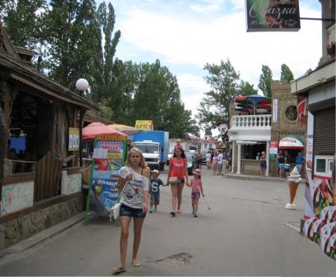Улицы  возле пансионата  Сказка  BR Затока  Одесская область  Украина  июль 2015