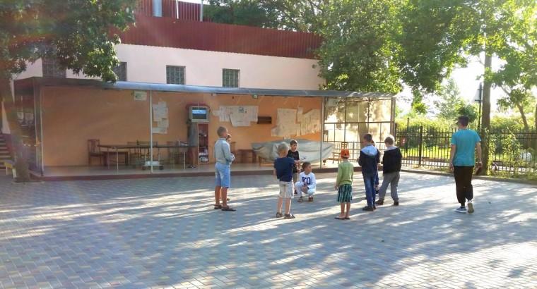 Концертная площадка  анимация по вечерам для детей  на базе отдыха  Рось   12 августа 2016  Затока  Одесская область  Украина
