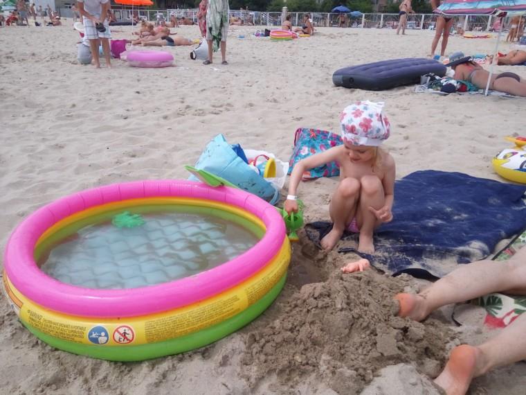 Пляж  море  детский бассейн  База отдыха  Рось   время 12:03  13 июля 2017