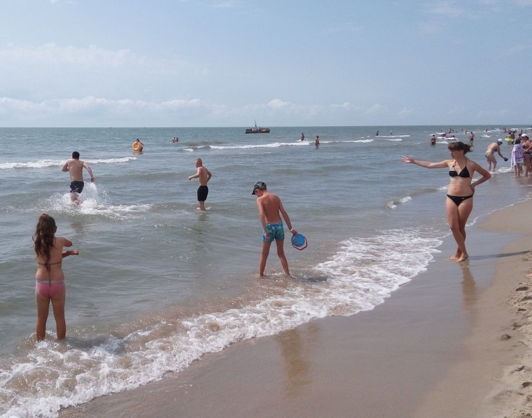 Пляж  море  База отдыха  Рось   время 10:46 утро  13 июля 2017
