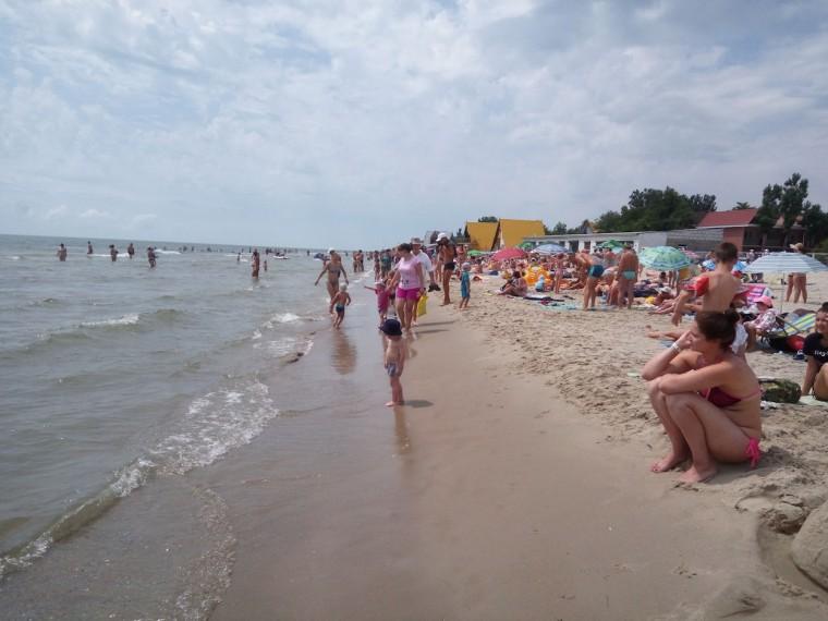 Пляж  море  База отдыха  Рось   время 12:02  13 июля 2017