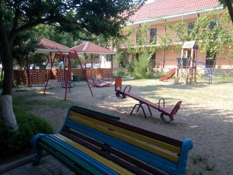 Детская площадка   между 3  4  5 корпусами  16 июля 2017 База отдыха  Рось   Украина  Одесская область  Затока