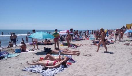 Пляж  море  База отдыха  Рось   время 11:54  15 июля 2017