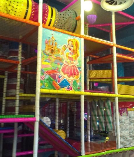 Большой 4-ярусный лабиринт BR в детском центре  Карамелька