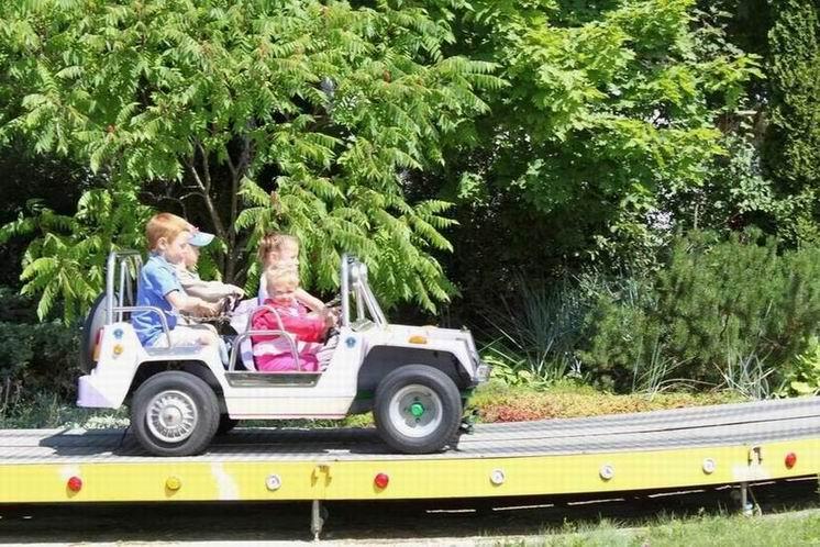 Детский аттракцион  Конвой  - 3 машинки по 4 места в каждой.  BR Парк развлечений  Дримленд  DreamLand