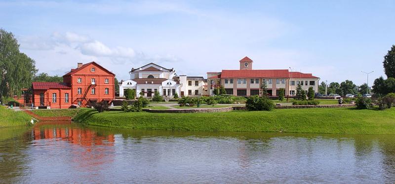 Водяная мельница  BR памятник гидротехнического строительства. Здание построено из красного кирпича в 1902 году. BR г. Орша  Беларусь