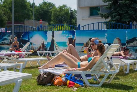 Летняя зона отдыха  VIP сектора   BR на территории Дворца водного спорта  г. Минск  Беларусь