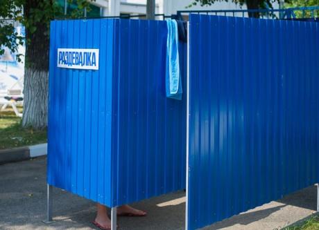 Кабинка для переодевания в Летней зоне отдыха  BR на территории Дворца водного спорта  г. Минск  Беларусь