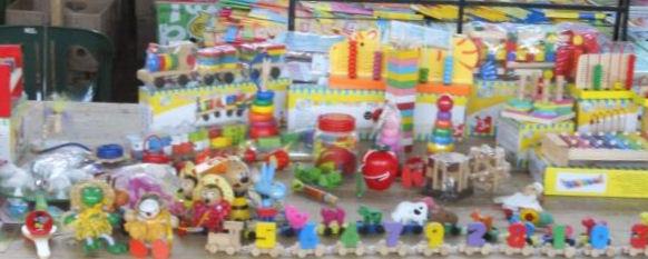 Детские игрушки для самых маленьких  Ночная книжная ярмарка  выставка  г. Минск  Беларусь