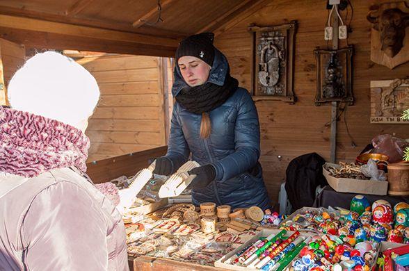 Новогодняя ярмарка  Калядны кірмаш   у Дворца спорта  г. Минск  25 декабря 2016
