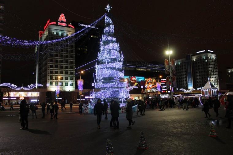 Новогодняя елка  у Дворца спорта  г. Минск  28 декабря 2019