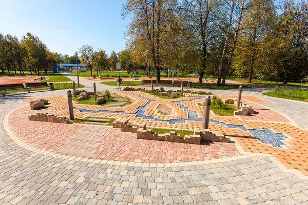 Днем  в парке  900-летия    г. Минск
