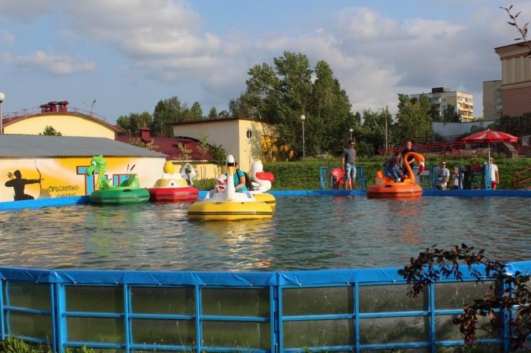 Лодочки  на  Детской площадке  в Минском Зоопарке  27 августа 2016   г. Минск  улица Ташкентская  40