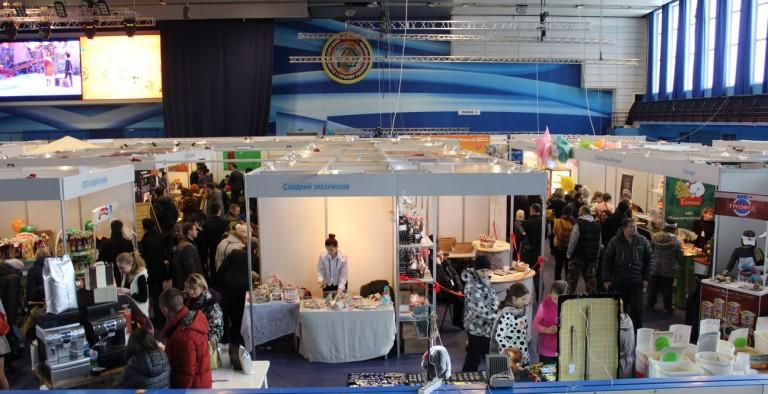 Палатки на  фестивале еды и напитков  Фуд Шоу    4 декабря 2016  г. Минск  Дворец Спорта