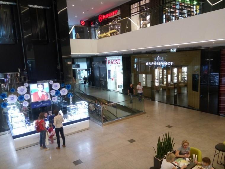 Второй этаж  в  торгово-развлекательном центре Galleria Minsk   10 июня 2017   г. Минск  проспект Победителей  9