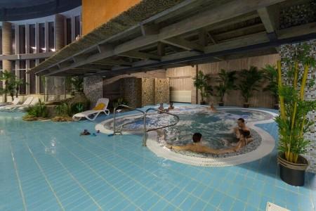 Плавание в бассейне, сауна <BR>(Физкультурно-оздоровительный комплекс 'Мандарин' , г. Минск , улица Герасименко, 51)