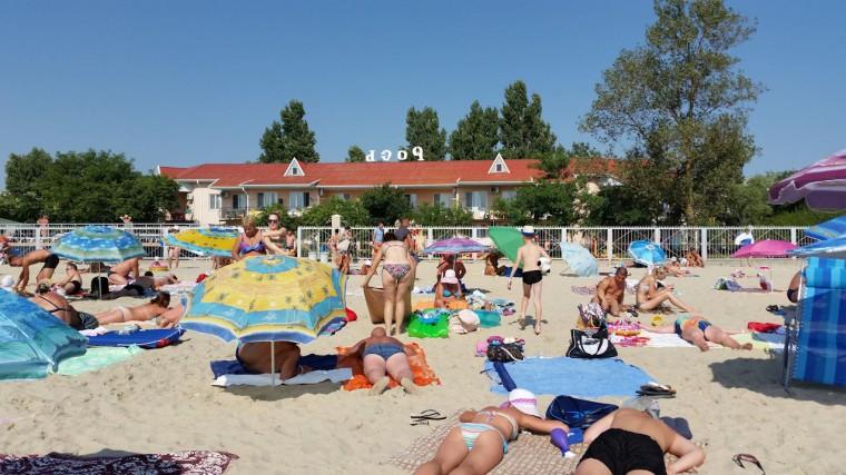 Пляж  на базе отдыха  Рось   утром в 10:06  6 августа 2016  BR  Затока  Одесская область  Украина