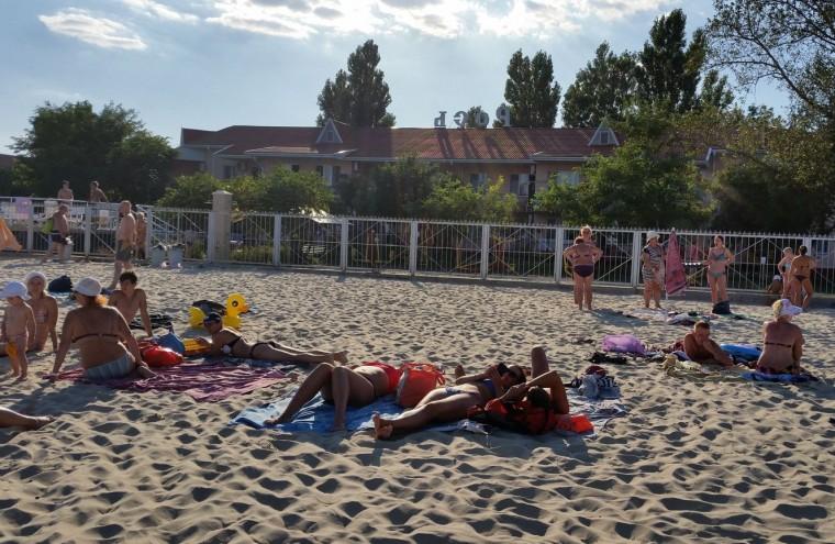 Пляж  на базе отдыха  Рось   в 17:50  14 августа 2016  BR  Затока  Одесская область  Украина