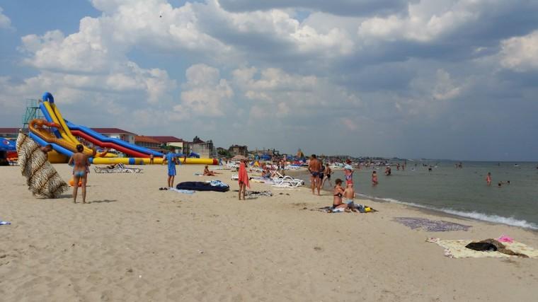 Пляж  на базе отдыха  Рось   в 14:46  7 августа 2016  BR  Затока  Одесская область  Украина