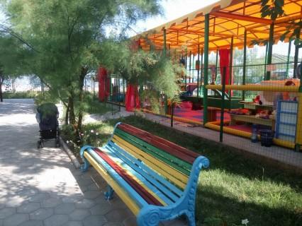 Детский лабиринт  База отдыха  Рось   Затока  Украина  время 11:10  14 июля 2017