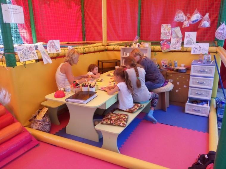 Детский лабиринт  База отдыха  Рось   Затока  Украина  время 12:20  14 июля 2017